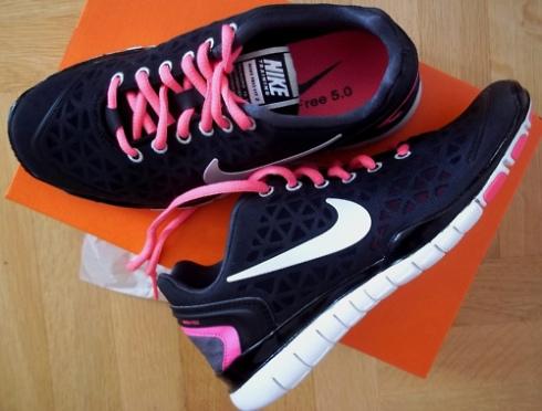 Nike Free sort og pink